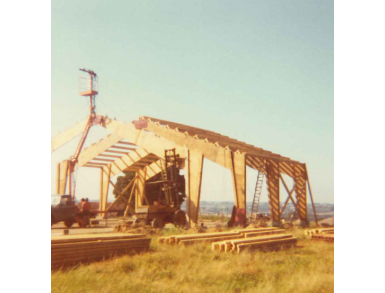 Construction de l'atelier charpente en 1981